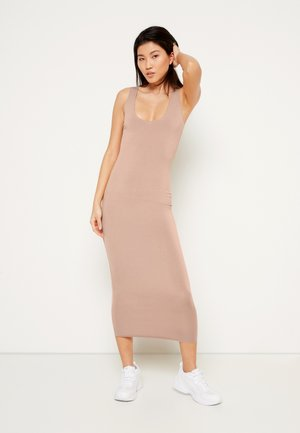 RAW EDGE SLINKY RACER MIDI DRESS - Kjole - camel