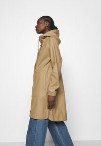 Modström - LAURYN JACKET - Impermeable - canyon clay - 3