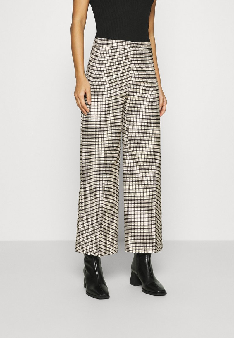 JUST FEMALE - KELLY TROUSERS - Bukse - taupe