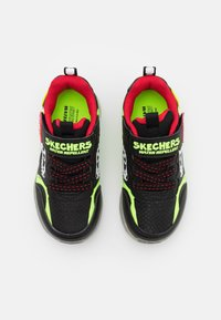 Skechers - ILLUMI-BRIGHTS - Trainers - black/lime//red - 3