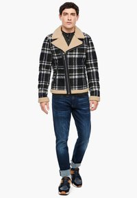 QS by s.Oliver - Blazer jacket - black check - 1