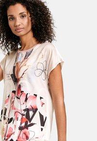Taifun - Print T-shirt - offwhite gemustert - 1