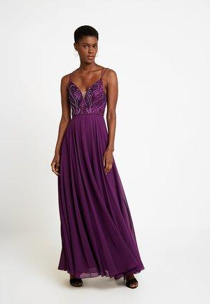 Společenské šaty - plum