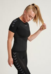 Hummel - Sportshirt - black - 0