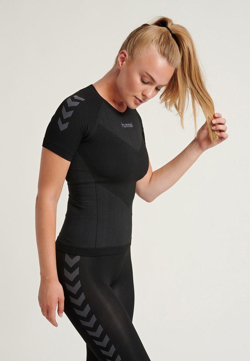 Hummel - Sportshirt - black