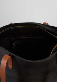 Madewell - ZIP TOP TRANSPORT TOTE - Tote bag - true black/brown - 4
