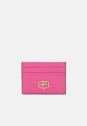 RANGE EYELIKE FRAME - Wallet - pink