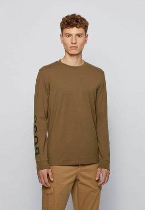 Long sleeved top - open green
