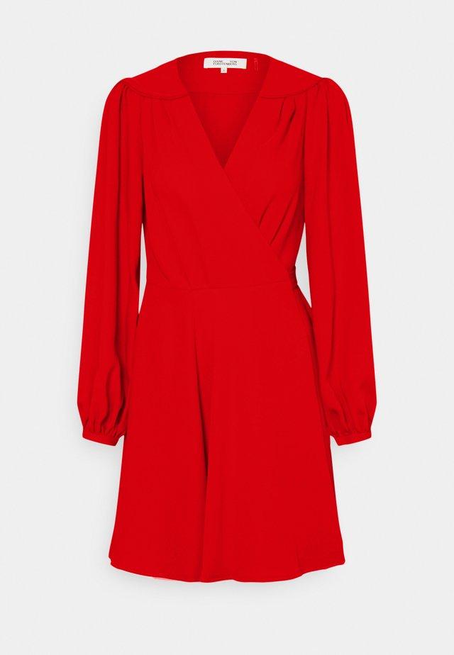 LONDYN - Denní šaty - sindoor