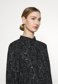 Monki - Button-down blouse - twirlsboddies - 3