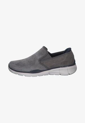 Slip-ons - grey