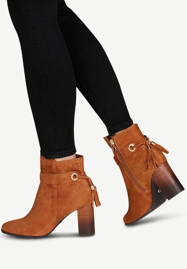 BOOTS - Classic ankle boots - nut