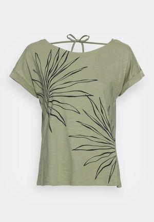 STRAPBOW - T-shirt con stampa - light khaki