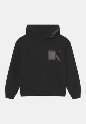 MONOGRAM BLOCK LOGO HOODIE - Sweatshirt - black