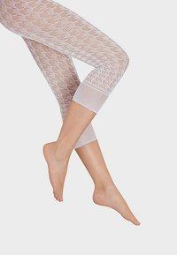 Wolford - DYLAN CAPRI - Leggings - Stockings - white - 2