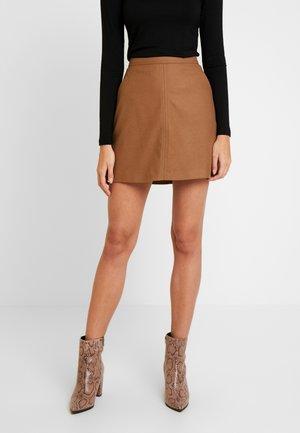 SHORT SKIRT FEMININE CUTLINES - A-line skirt - moose caramel