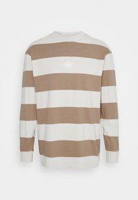 Han Kjøbenhavn - BOXY TEE LONG SLEEVE - Long sleeved top - offwhite - 4