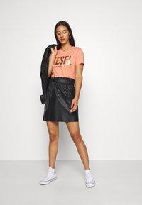 Diesel - T-SILY-WX T-SHIRT - Print T-shirt - apricot - 1
