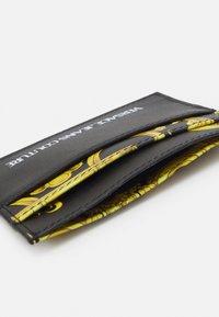 Versace Jeans Couture - UNISEX - Wallet - black/gold - 2