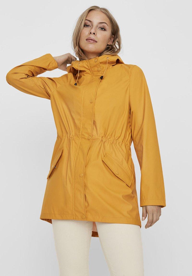 Vero Moda - VMSHADY  - Parka - golden yellow