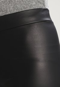 Pieces - SHINY  - Leggings - black - 3