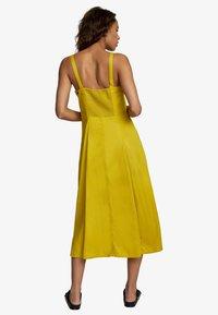 RVCA - Korte jurk - sulphur - 2