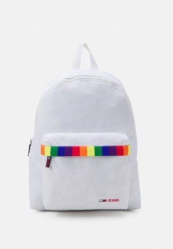 CAMPUS DOME BACKPACK PRIDE UNISEX - Batoh - white