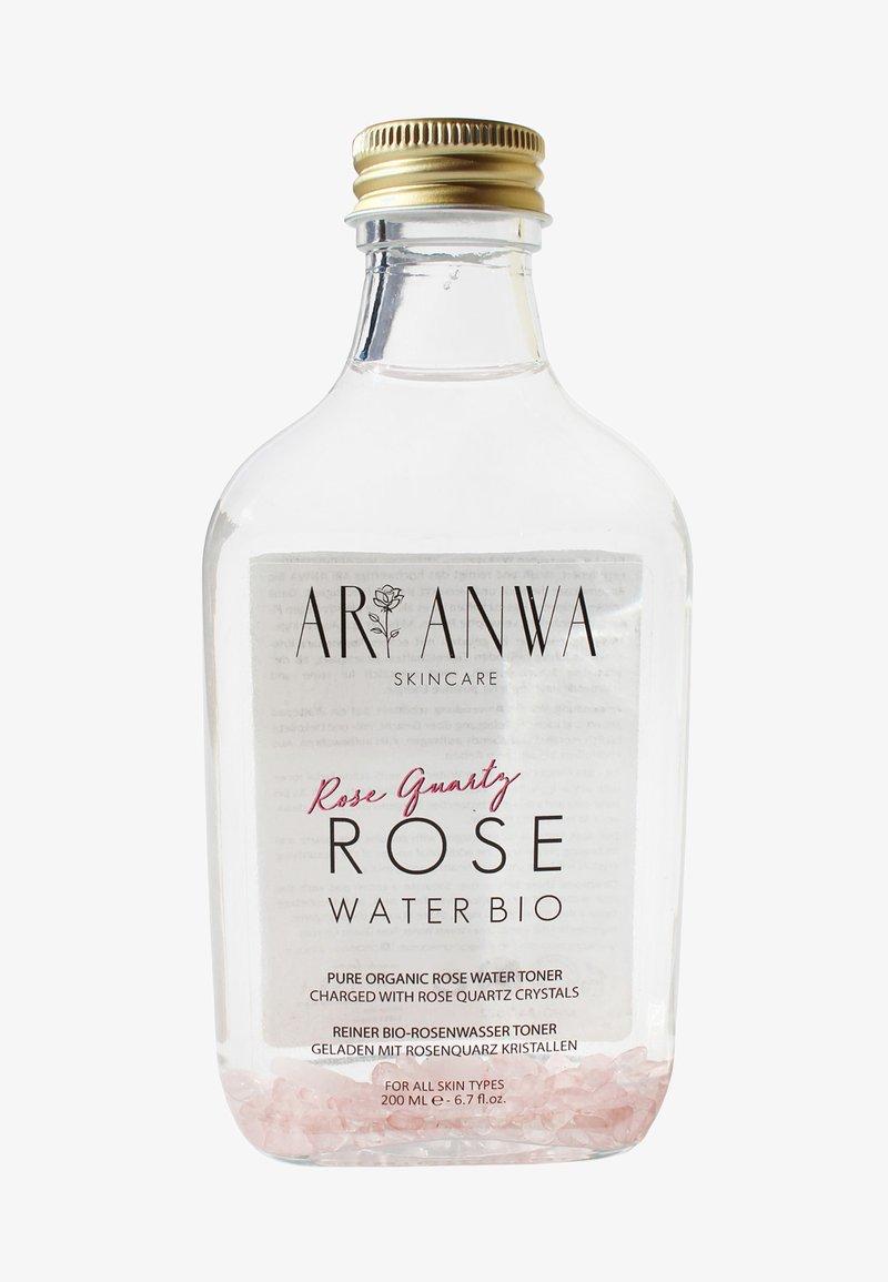 ARI ANWA Skincare - ROSENQUARZ ROSENWASSER - Toner - weiß
