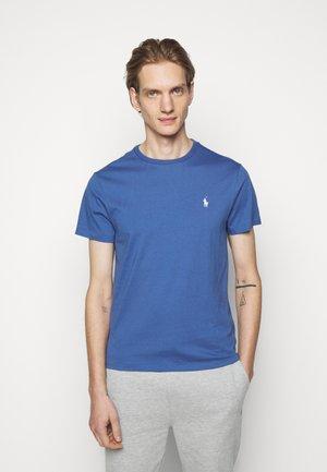 CUSTOM SLIM FIT JERSEY CREWNECK T-SHIRT - T-shirt - bas - bastille blue