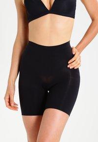 Spanx - POWER SERIES - Stahovací prádlo - very black - 0