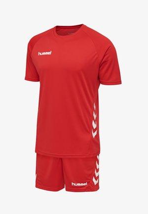 2 PIECE SET - Sports shorts - true red
