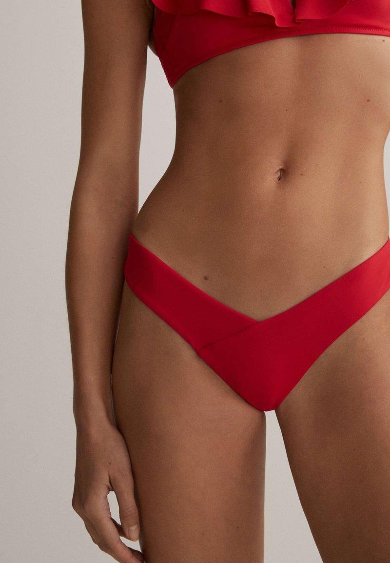 OYSHO - EINFARBIGER  - Spodní díl bikin - red