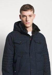 Tommy Hilfiger - REMOVABLE HOODED BOMBER - Winter jacket - blue - 5
