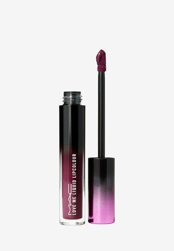 LOVE ME LIQUID LIPCOLOUR - Liquid lipstick - been there, plum that