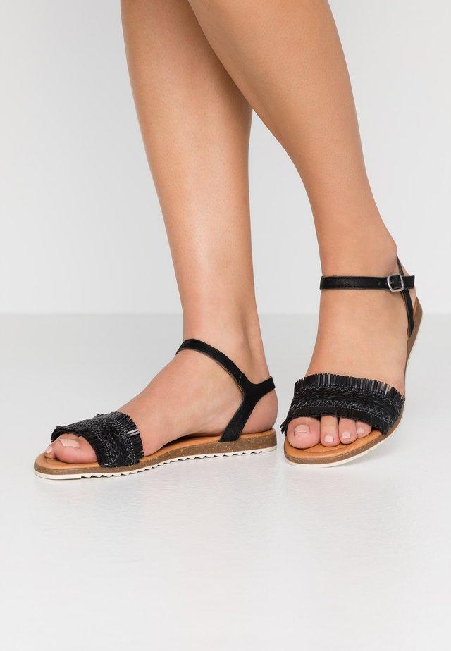 LARA - Sandaalit nilkkaremmillä - black