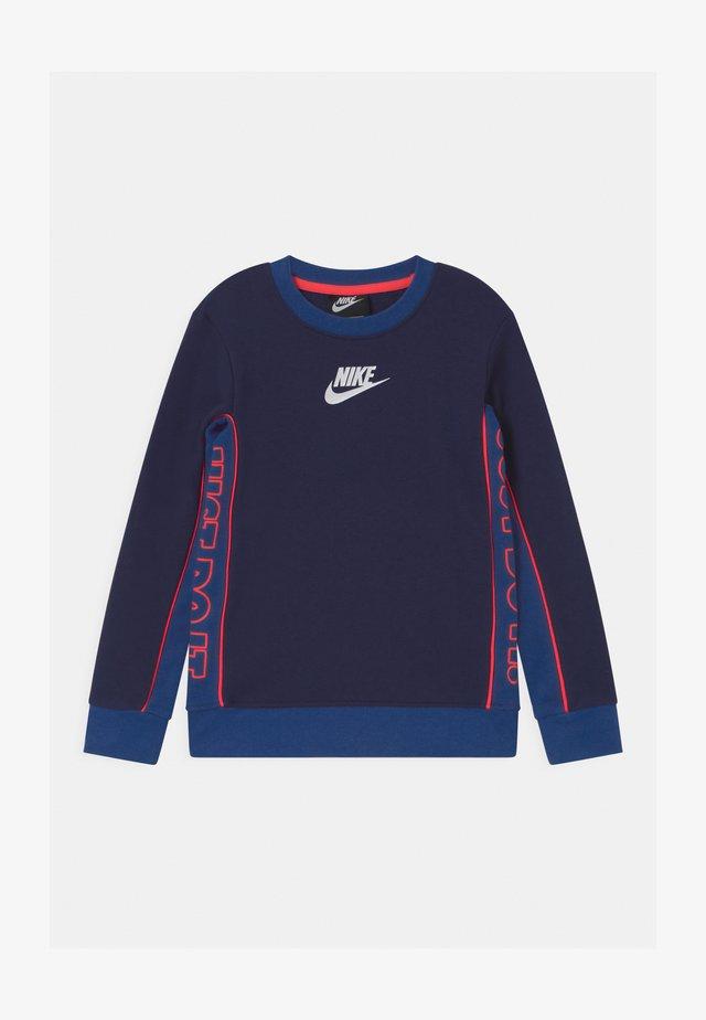 COLOR BLOCKED CREW - Sweatshirt - blue void