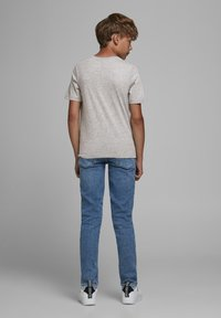 Jack & Jones Junior - JJELOGO - Print T-shirt - light grey melange - 2