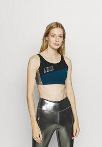 Nike Performance - LOGO BRA PAD - Sujetadores deportivos con sujeción media - valerian blue/black/metallic cool grey - 0