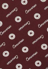 Converse - MICRO SIGNATURE CHUCK PRINTED TEE - Print T-shirt - dark burgundy - 3