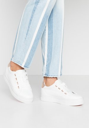 AVONA - Sneakers laag - bright white/ rose gold