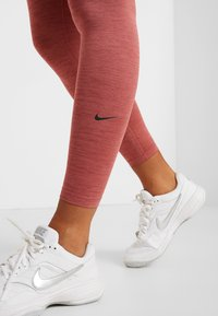 Nike Performance - ONE - Leggings - cedar/light redwood/black - 5