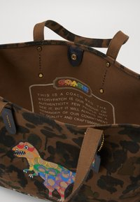 Coach - REXY IN SIGNATURE RAINBOW - Tote bag - brown - 2