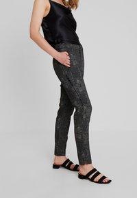 Dranella - DREBEA PANT TESSA FIT - Trousers - black - 0