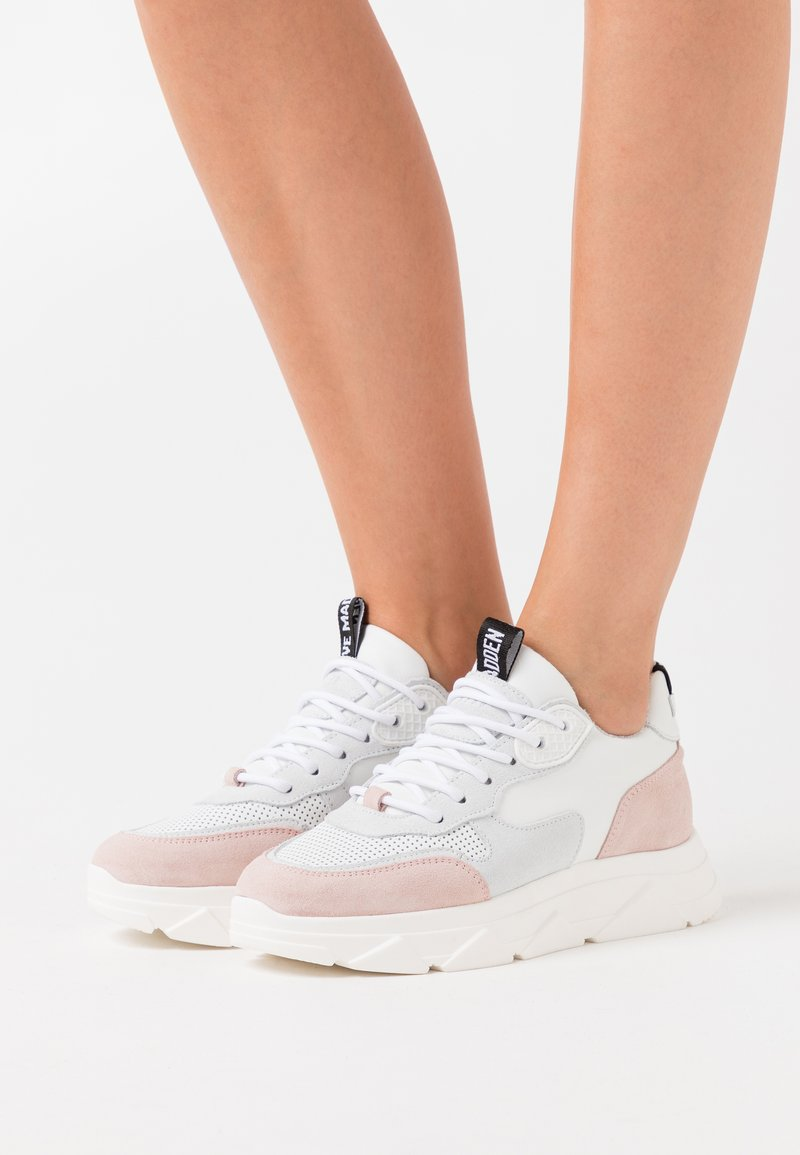 Steve Madden - PITTY - Sneakers laag - white/pink