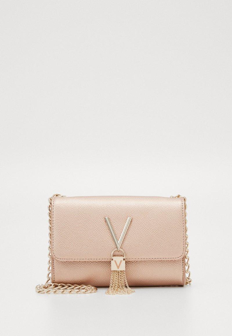 Valentino Bags - DIVINA  - Pochette - oro rosa
