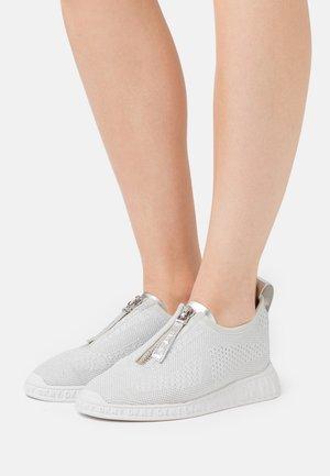 MELISSA  - Sneakersy niskie - silver