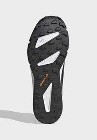 adidas Performance - TERREX SPEED GORE-TEX TRAIL RUNNING SHOE - Trail running shoes - black - 5