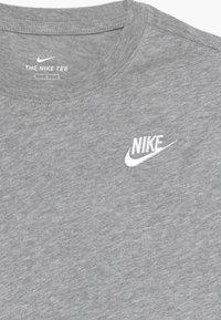 Nike Sportswear - TEE FUTURA - Camiseta básica - grey heather/white - 3