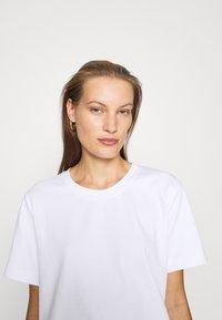 ARKET - T-SHIRT - T-shirt basic - white light - 6