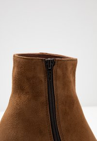 Maripé - High heeled ankle boots - cognac - 2